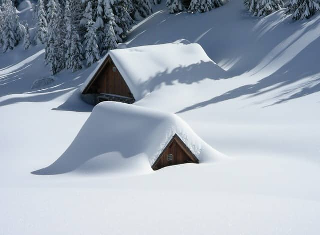 5 Reasons to Maintain Your Security System this Winter